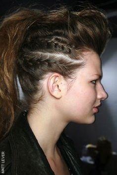 Rock & roll baby! Braided, puffy front-top, texturized ponytail