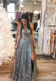 Stylish tulle sequins long prom dress formal dress – Loveydress Source by dresses long sequin Grey Prom Dress, Pretty Prom Dresses, Beautiful Dresses, Long Fancy Dresses, Prom Dress Long, Stunning Prom Dresses, Grey Gown, Floral Prom Dresses, Grad Dresses Long