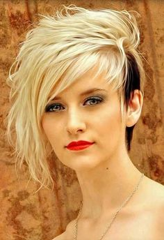 Man this is awesome, but I'm not brave enough! Lovely and Attractive Platinum Blonde with Black Tailings at the One Side. Hair cuts with coloring ideas Messy Pixie Cuts, Short Hair Cuts, Edgy Pixie, Long Pixie, Hair Styles 2016, Curly Hair Styles, Haircut For Thick Hair, Funky Hairstyles, Pixie Haircuts