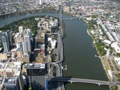 Aerial view of downtown Brisbane, the Riverside Freeway & Brisbane River - Brisbane, Queensland. Brisbane River, Brisbane Queensland, Brisbane Australia, Big Country, Environment Design, Sunshine State, Birds Eye View, Live In The Now, Beautiful Places