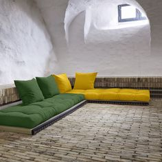 Chico ftonbäddsoffa från Karup. Chico futon sofa bed from Karup
