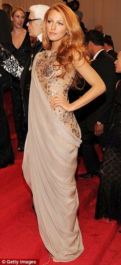 Blake Lively in Chanel Fall 2009 Couture at the MET Gala, May 2011 - Looks like a saree gown love it :)