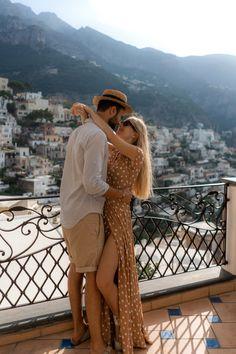The ultimate travel guide to Positano Amalfi coast.