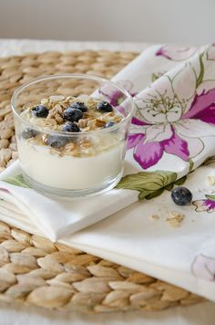 Yogurt with Blueberries and Cereals - Ph Linda Dell'Omo