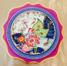 Mottahedeh Tobacco Leaf China pattern plates, chinoiserie tablescapes, chinoiserie plates, and Blue Lace