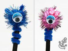 Pom Pom Pencil Toppers - One Eye Monsters Craft Stick Crafts, Crafts To Sell, Diy Crafts, Pencil Topper Crafts, Pencil Crafts, Market Day Ideas, Pen Toppers, Kids Market, Fete Ideas