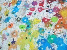 Water balloon paint bombs, an alternative to traditional paint brushes! Love this for adapted art!