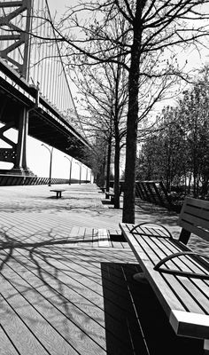 Black & White Philly's Race Street Pier | Love's Photo Album