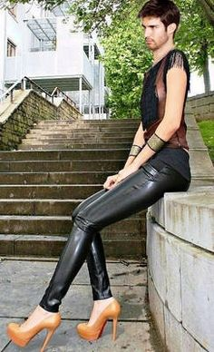 Discover and organize outfit ideas for your clothes. Decide your daily outfit with your wardrobe clothes, and discover the most inspiring personal style Shiny Leggings, Leggings Are Not Pants, High Heels Plateau, Christian Louboutin, Leather Pants, Black Leather, Leather Heels, Men In Heels, Platform High Heels