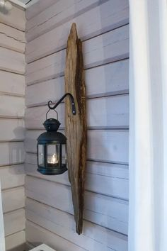 hook, hanging, wall decoration, do-it-yourself cottage Driftwood Lamp, Driftwood Crafts, Build Your Own Wardrobe, Barn Wood, Wood Projects, Diy Furniture, Lanterns, Diy Home Decor, Diy And Crafts