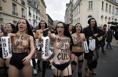 Francia, manifestazione contro nozze gay: Femen