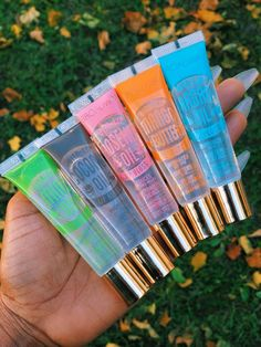 Broadway Lip gloss – vanity moodz You are in the right place about Make-up black Here we offer you the … Best Lip Gloss, Clear Lip Gloss, Lip Gloss Set, Gloss Labial, Nagellack Trends, Lip Hydration, Lip Oil, Glossy Lips, Skin Makeup
