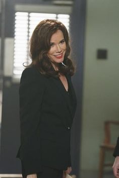 Barbara Hershey as Cora / Queen of Hearts ♥ Hollywood Actresses, Actors & Actresses, Barbara Hershey, Fantasy Tv Shows, Mira Sorvino, Mother Knows Best, Ouat Cast, Abc Tv Shows, Time News