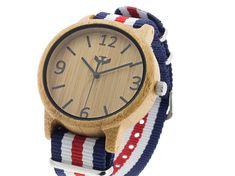 Reloj de madera MOSCA NEGRA modelo SLOWOOD con caja de bambú carbonizado y maquinaria japonesa. Correa de Nylon de colores intercambiables.  www.moscanegrasunglasses.com #moscanegrawatches #relojdemadera #relojesdemadera #woodwatch #woodwatches Tu reloj de madera favorito en nuestra web