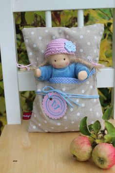 Dolls - baby girl in a bed - a unique product by Lille-lilith on DaWanda - Fabric Dolls, Paper Dolls, Sock Dolls, Waldorf Toys, Doll Quilt, Tiny Dolls, Felt Toys, Doll Crafts, Handmade Toys