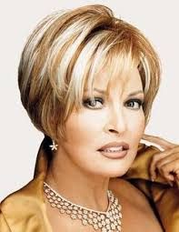 Raquel Welch: Going on 50 and looking amazing. Raquel Welch, Great Hairstyles, Short Bob Hairstyles, Short Hair Cuts For Women, Short Hair Styles, Layered Hair, Hair Today, Hair Dos, Fine Hair