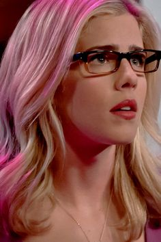 Arrow -  Felicity Smoak - Emily Bett Rickards