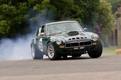 Smoking MG at Motorsport at the Palace