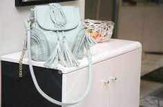 ASHIA Retro Trend Damen Quaste Handtasche Umhängetasche Lederhandtasche Schultertaschen Tragbar als HAND und SCHULTER UMHÄNGETASCHE - 23 x 26 x 8 cm (B x H x T) (Schwarz):Amazon.de:Schuhe & Handtaschen
