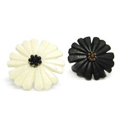 Nouveau Flower Ring- Beautiful details! #FreeShipping #FairTrade #Ring