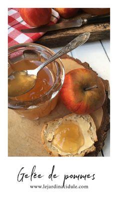 Gelée de pommes aux épices de Noël - LE JARDIN ACIDULÉ Winter Food, Camembert Cheese, Jelly, Pear, Dairy, Fruit, Cooking, Cake, Chutneys