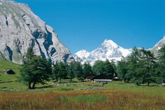 view to #Grossglockner in #Austria, source: Bergsteigen - eMagazine Bergsommer Tirol