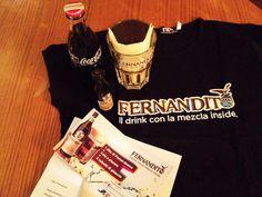 Fernandito mi offre da bere - devo essere diventata una persona seria, mi donano dei doni.