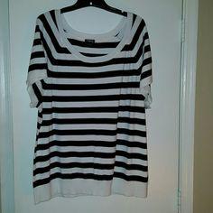 Torrid Striped Pullover Top, Sz 4 Torrid Striped Pullover Top, Sz 4 torrid Tops