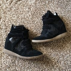 """Sneaker wedges Great condition!! Super comfy and stylish by Steve Madden style """"hilight"""" sold out. Steve Madden Shoes"""