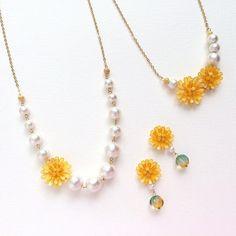 マニキュアが大変身!マニキュアフラワーを使ったアクセサリーの作り方9選 - ページ 2 / 3 - CRASIA Wire Crafts, Resin Crafts, Resin Jewelry, Diy Jewelry, Pearl Necklace, Beaded Necklace, Clay, Pearls, Earrings