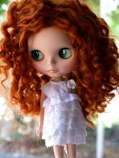 Ok, one of my dolls HAS to have hair like this.