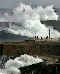 You can see why Carmen, another character in my novel, really loves it in Santander. Water Waves, Sea Waves, Santa Lucia, Cool Pictures, Cool Photos, European Tour, Perfect World, Natural Phenomena, Spain Travel