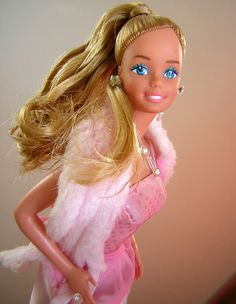 https://flic.kr/p/5Z8w2q   BACK TO THE 80'S - PINK & PRETTY BARBIE   1981, Superstar Head Mold.