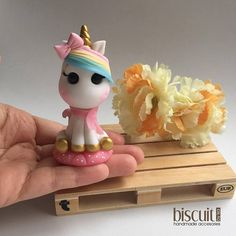 Party Unicorn, Unicorn Birthday Parties, Fimo Clay, Polymer Clay Charms, Baby Girl Cakes, Small Figurines, Clay Dragon, Unicorn Cake Topper, Fondant Toppers