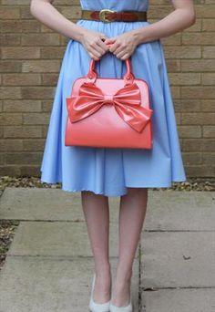 Vintage peach mad men style 1950's bow handbag!