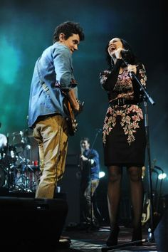 John Mayer's love Katy Perry joins him on stage Tuesday night to sing 'Who You Love.'