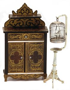 Lot: BOULLE-bureau, 14 cm, dollhouse birdcage, sheet metal,, Lot Number: 0039, Starting Bid: €90, Auctioneer: Ladenburger Spielzeugauktion GmbH, Auction: Special auction Doll & Toy Museum, Date: September 5th, 2015 EDT
