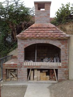 sjenica od stare cigle - Google pretraživanje Outdoor Gas Pizza Oven, Brick Oven Outdoor, Brick Grill, Barbecue Garden, Brick Projects, Backyard Pavilion, Barbacoa, Wood Fired Oven, Outdoor Living