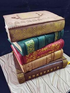 Beautiful bookish cakes.