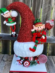Christmas Decor Trends Part 1 Elf Christmas Decorations, Santa Decorations, Christmas Centerpieces, Christmas Wreaths, Christmas Crafts, Christmas Ornaments, Holiday Decor, Xmax, Christmas Applique