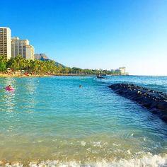 【yuppy.0711】さんのInstagramをピンしています。 《今日も幸せpicで、おはようございます🌴🌺 少し暖かくて嬉しい、今は快晴の大阪です☀️ 今日も一日頑張りましょー💪🏾🎶 aloha Friday🌈💕 . #hawaii #oahu #waikiki #waikikibeach  #beach #bluesky  #diamondhead #sea #genic_hawaii #genic_mag  #genic_beach  #travel #aloha #happy #ハワイ #オアフ #ワイキキ #海 #青空 #ビーチ》