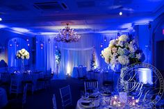 Soft pin spotting makes floral centerpieces pop at this Bernards Inn wedding. Photo by Therese Wagner Photography. Lighted Centerpieces, Floral Centerpieces, Wedding Cake Pops, Wedding Cakes, Wedding Reception Decorations, Wedding Venues, Pot Lights, Different Light, White Light