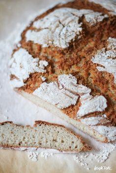 """Dieses glutenfreie Landbrot mit Teffmehl ist mein Favorit. Die Kruste und Krumme sind wie bei einem """"normalen"""" Brot. Es hält sich lange frisch."""
