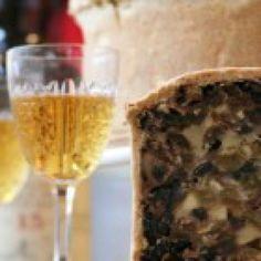 Iets bijzonders op tafel tijdens de jaarwisseling? wat dacht je van een Schotse black bun! Een heerlijke vruchten cake met Whisky. Deze bijzondere cake blijft lang goed en is een leuk alternatief op de andere traditionele lekkernijen tijdens de feestdagen en oudejaarsavond.