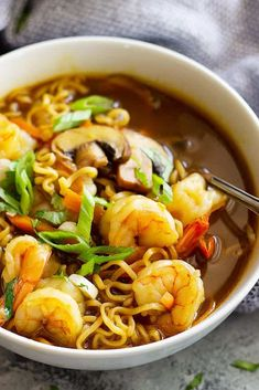 This Easy Shrimp Ramen Soup is so much better than that packet of noodles! Packed with vegetables, shrimp, and full of flavor! Ramen Noodle Recipes, Easy Soup Recipes, Shrimp Recipes, Cooking Recipes, Easy Shrimp Pho Recipe, Ramen Noodles, Sopa Ramen, Ramen Soup, Shrimp Soup