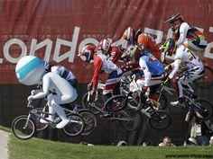 Filmez vos plus beaux moments sportifs comme lors des Championnats du Monde de BMX grâce aux caméras embarquées sport ! Venez découvrir tous les accessoires sur Yonis-Shop.com.