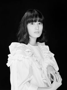 レディの肖像 橋本愛 Ai Hashimoto, Interview, Ruffle Blouse, Lady, People, Art Direction, Natural Beauty, Japan, Movie