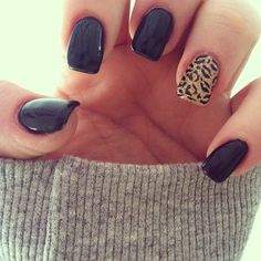 BLACK NAILS WITH LEOPARD ACCENT