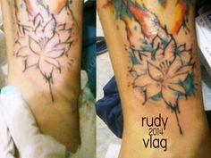 flor de loto  (auto tattoo)  diseño propio acualrea tatto first