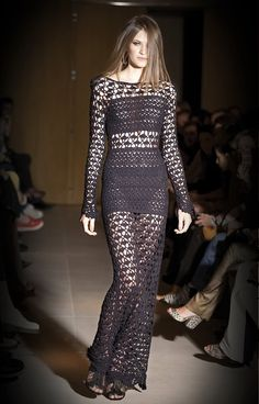 No patterns, designer gown and dress ~ Crochet e Moda